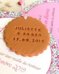 Faire-part mariage biscuit rond, thème fleuri/liberty