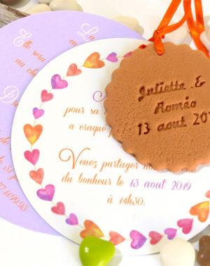 Faire-part mariage biscuit rond, thème petit coeur