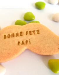 """Biscuits """"moustache personnalisée"""" (Fête des grands-pères)"""